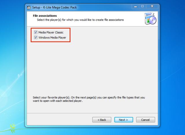 Asegurarnos de palomear los reproductores de Windows para que se asocien los codec's.